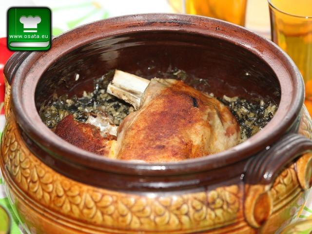 Рецепта за ароматно агнешко печено в гювеч