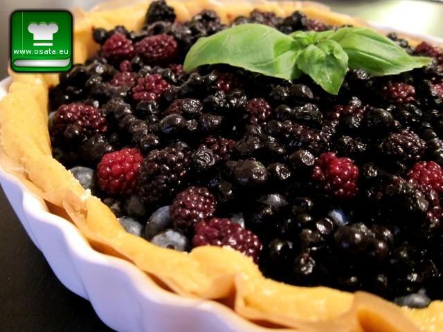 Рецепта за отворен пай с горски плодове  и арония