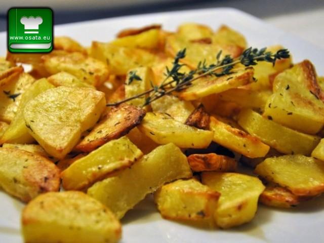 Рецепта за Задушени картофи с чесън и зехтин