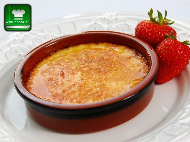 Рецепта за крем брюле със сладко от ягоди