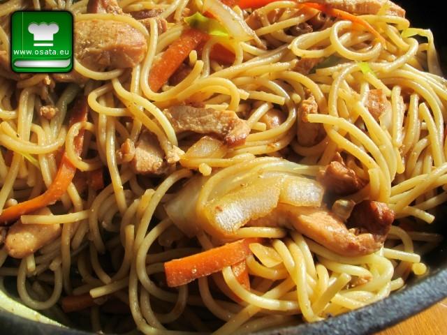 Рецепта за лингуини с телешко и зеленчуци по китайски