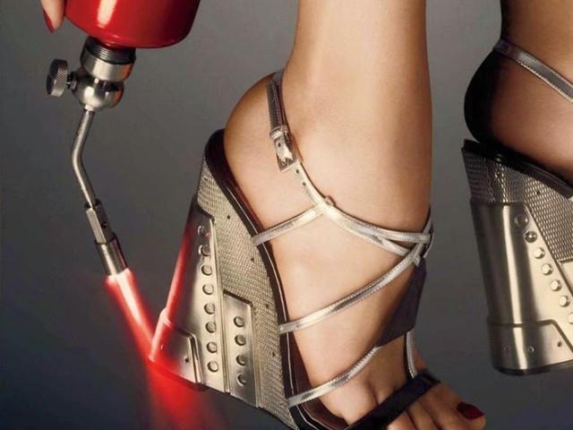 Спортните обувки и ботите на висок срен най новите модни тенденции за есен-зима 2014