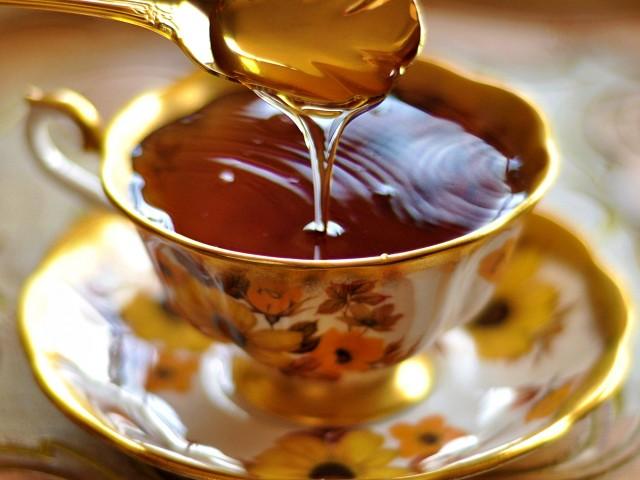 Мед и чай за повишаване имунитета и отслбване