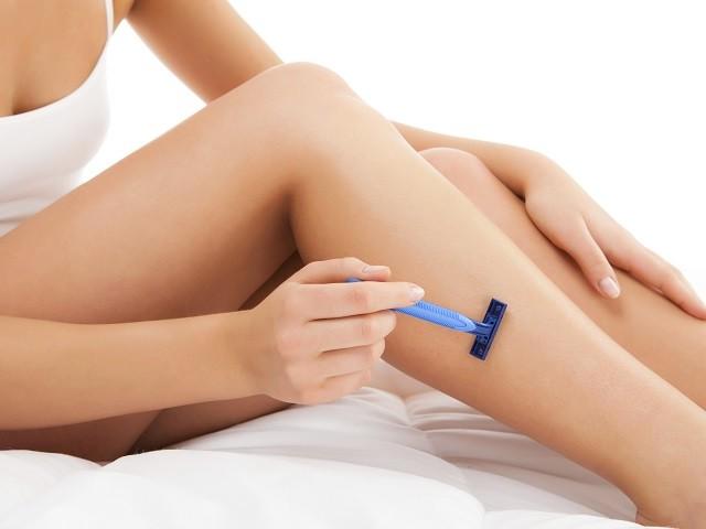 Как да си обръснем правилно краката, за да са гладки