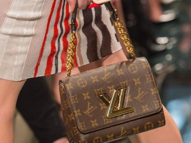 Избора на марка за дрехи, обувки и чанти разкрива характера