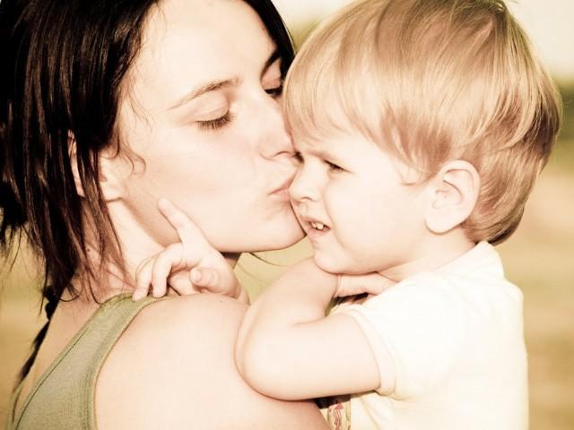 Забравете тежкото детсво и винаги показвайте на децата си любов и одобрение
