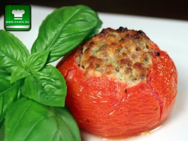 Рецепта за пълнени домати с киноа, спанак и сирена