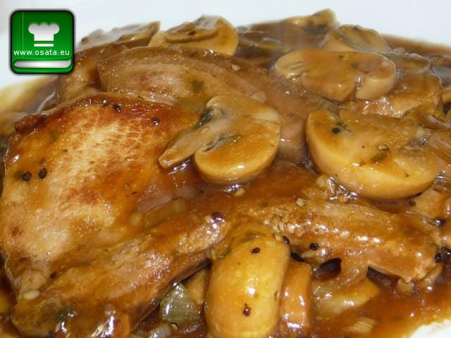 Рецепта за свински пържоли с гъбен сос