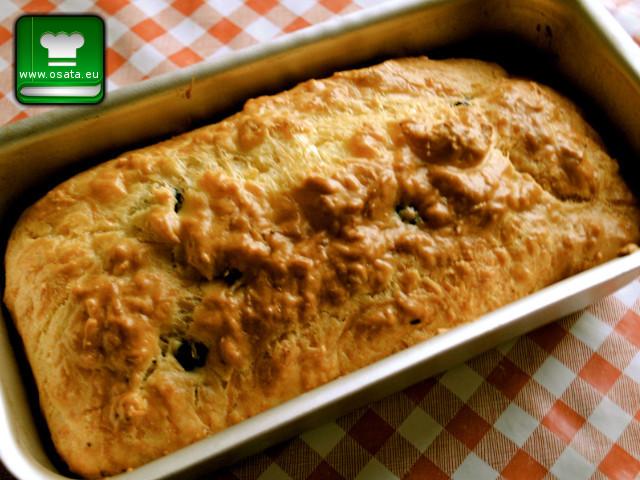 Рецепта как да приготвим солен кекс със сирене и маслини