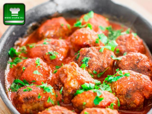 Рецепта за кюфтета в доматен сос