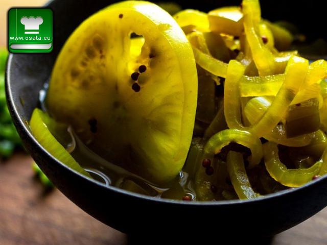 Рецепта за туршия от зелени домати и моркови