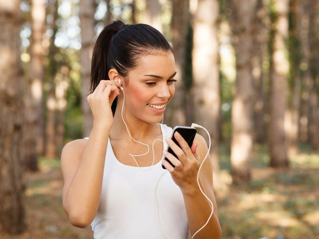 Слушалките увреждат слуха